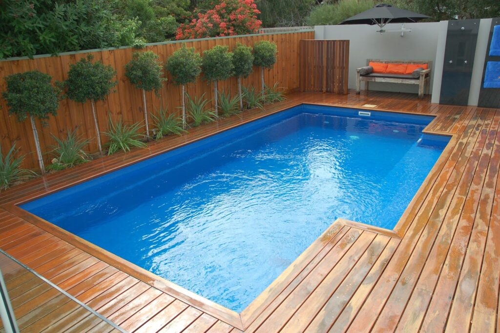 podloge oko bazena